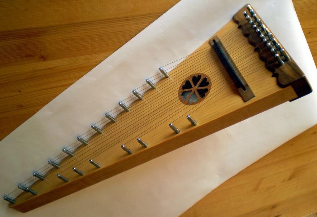 1- Chaque corde délivre une note